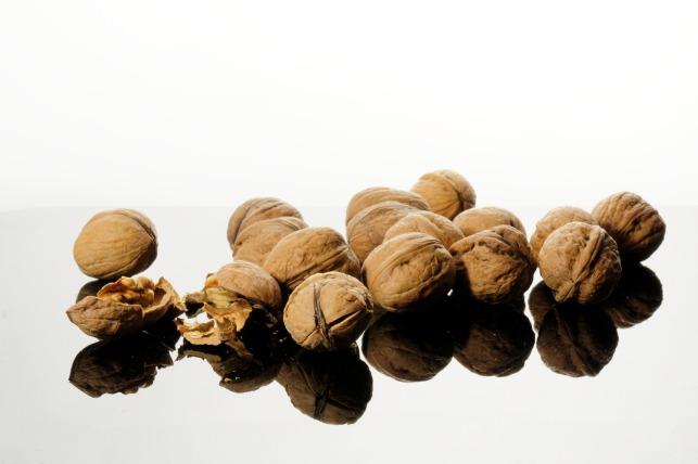 walnut-1022489_1920