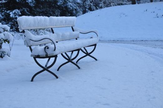 bench-1835560_640