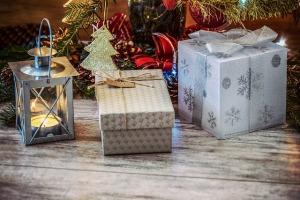 christmas-gifts-1849900_640