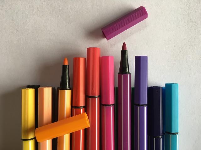 2017-02-colored-pencils-1800829_640