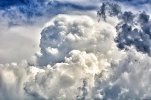 2017-08-clouds-2163747_640
