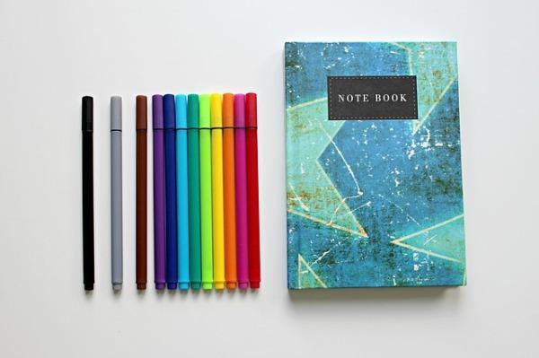colour-pencils-1803668_640