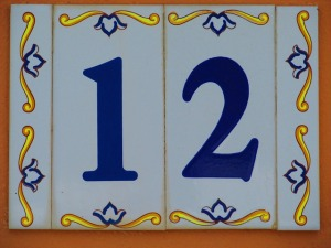 12-Zwoelf
